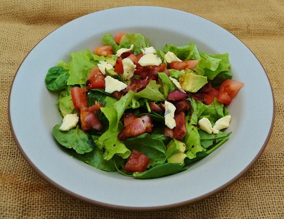 spinach, lettuce, blue chees, bacon, tomato